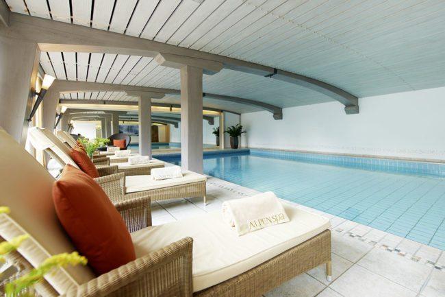 Hallenbad - AlpenSPA im Wellnesshotel in Schruns, Montafon